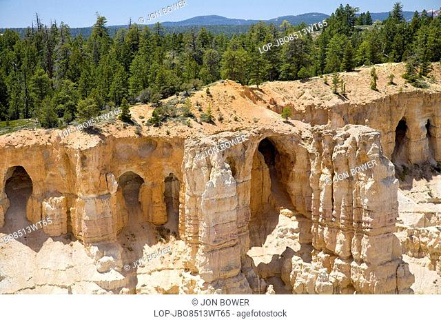 USA, Utah, Bryce Canyon. A view of Grottos in Bryce Canyon