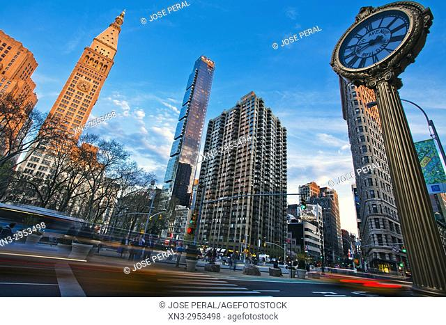 At left Metropolitan Life Insurance Company Tower and Madison Square Park, at right Flatiron Building, Brodway and Fifth Avenue, Midtown, Manhattan, New York
