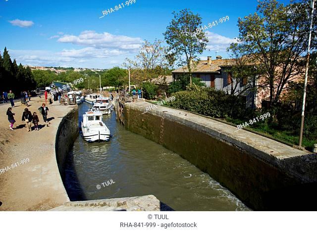 Locks of Fonserannes, Canal du Midi, UNESCO World Heritage Site, Beziers, Herault, Languedoc, France, Europe