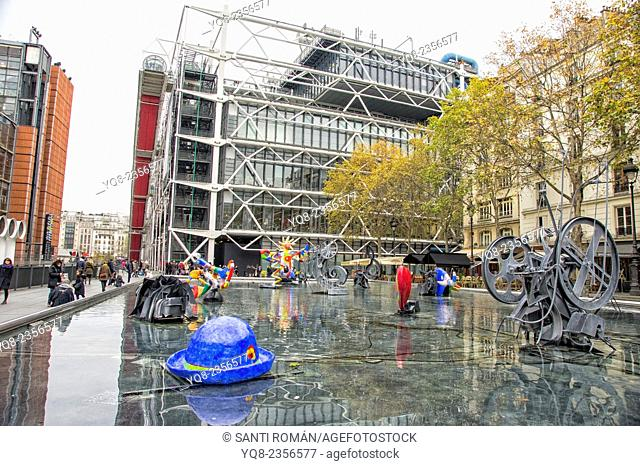 France, Paris, The Stravinsky Fountain located in Place Stravinsky, between the Centre Pompidou and the Church of Saint-Merri Within the basin are sixteen works...