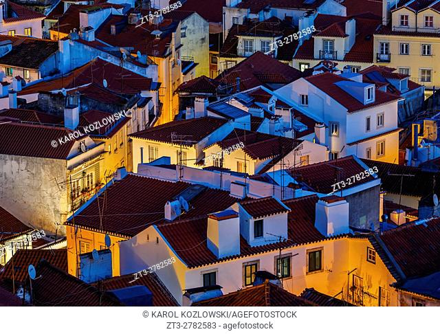 Portugal, Lisbon, Miradouro das Portas do Sol, View of the Alfama rooftops