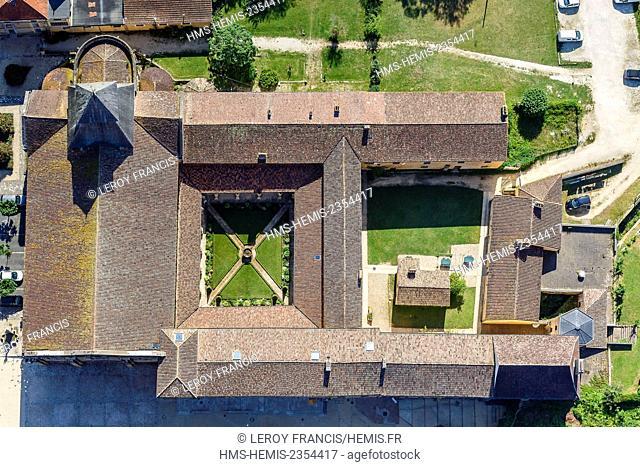 France, Dordogne, Le Buisson de Cadouin, Cadouin, Notre Dame de la Nativite abbey roof on the Camino de Santiago, listed as World Heritage by UNESCO (vue...