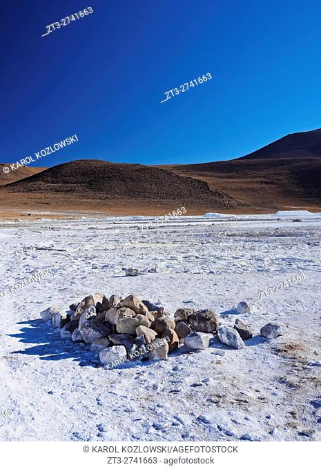 Bolivia, Potosi Departmant, Sur Lipez Province, Eduardo Avaroa Andean Fauna National Reserve, Landscape of the Salar de Chalviri.