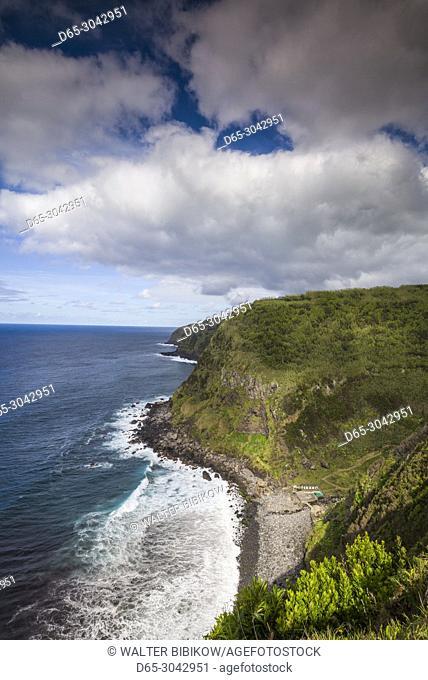 Portugal, Azores, Sao Miguel Island, Achadinha, Miradouro Salto de Farrinha, coastal view