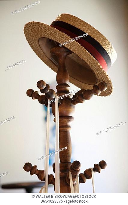 USA, Alabama, Montgomery, Old Alabama Town, straw hat