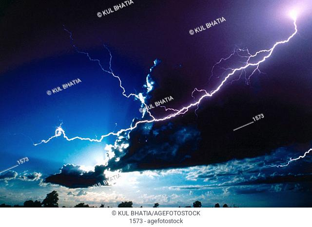 Lightning storm, south-west Ontario, near the Canada-US border (1995)