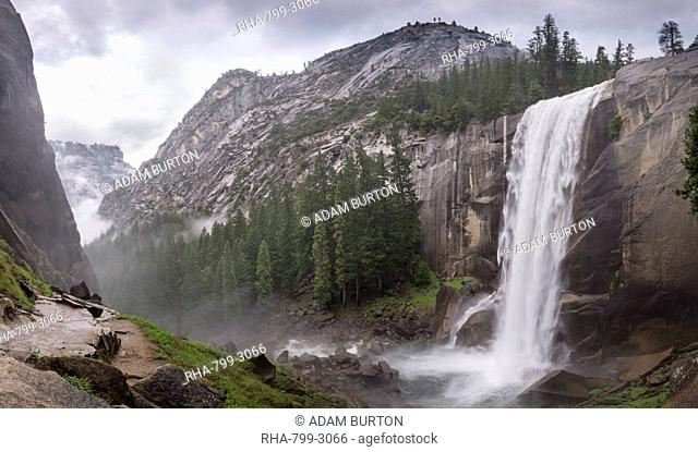 Vernal Falls from the Mist Trail, Yosemite National Park, UNESCO World Heritage Site, California, United States of America, North America