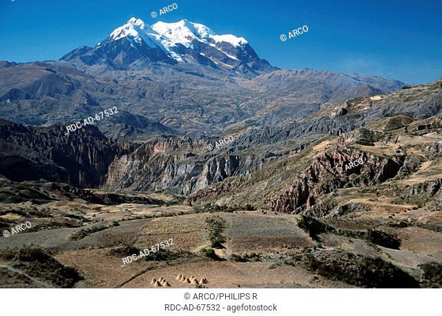 Volcano Nevado Illimani, near La Paz, Bolivia