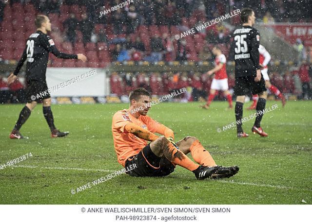 goalwart Ron-Robert ZIELER (S) disappointed am ground after einem versustor, Fussball 1. Bundesliga,19. matchday, FSV FSV FSV Mainz 05 (MZ) - VfB Stuttgart (S)