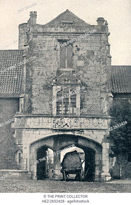 'Palace Gateway, Cawood, Near York', 1903. From Social England, Volume III, edited by H.D. Traill, D.C.L. and J. S. Mann, M.A