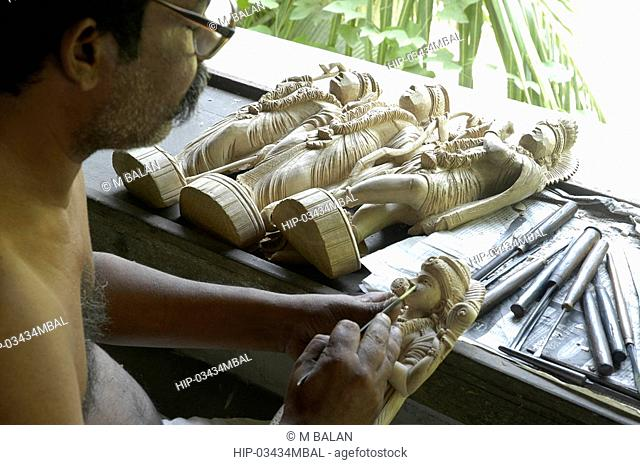 TRADITIONAL WOOD CARVING