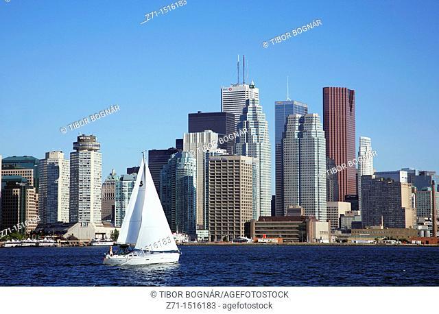 Canada, Ontario, Toronto, Lake Ontario, saliboat, downtown skyline