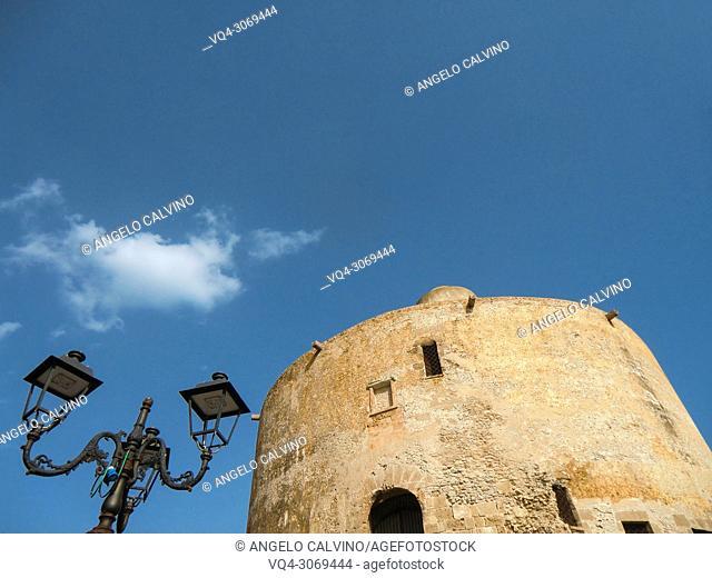 Torre dello Sperone, defense tower built by the Catalans in the 14th century, Alghero (L'Alguer). Sassari province, Sardinia, Italy
