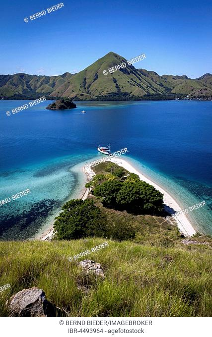 Small boat on the beach, island world, Komodo National Park, Flores, East Nusa Tenggara, Indonesia