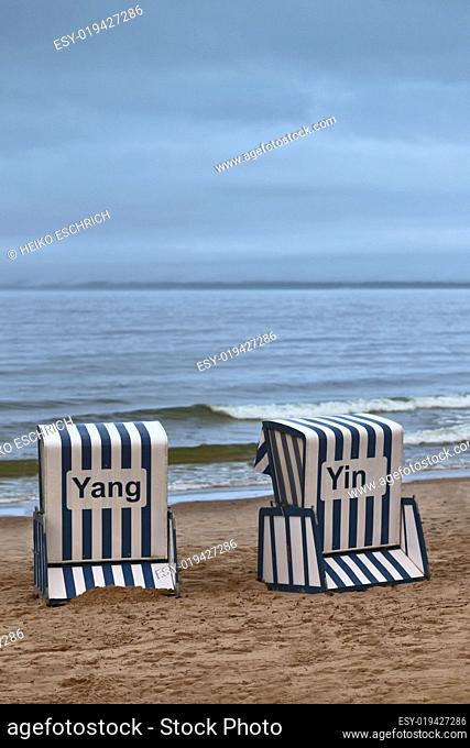 Strandkorb Yin und Yang