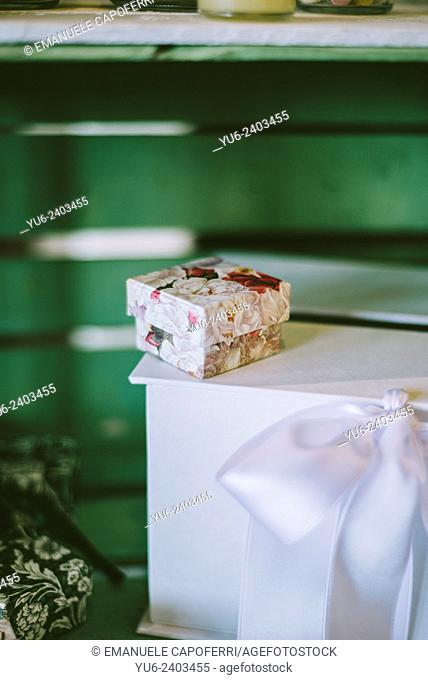 Small box decorated with floral designs