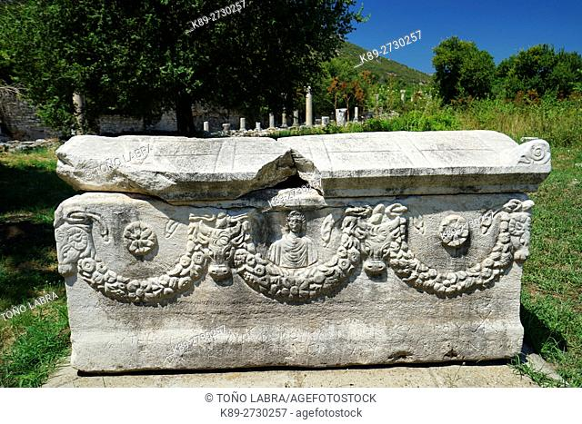 Sarcophagus with Garland (Roman Period). Ephesos. Ancient Greece. Asia Minor. Turkey