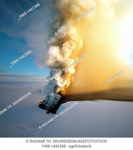 Eruption of Grimsfjall Volcano 1998, Vatnajokull Ice Cap, Iceland