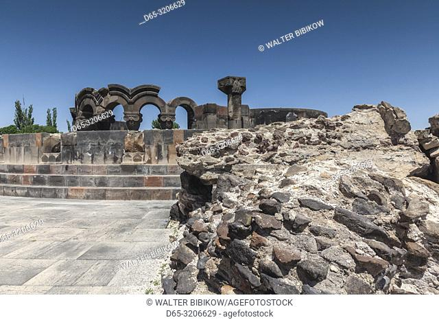 Armenia, Zvarnots, Zvarnots Cathedral, ruins of 7th century cathedral