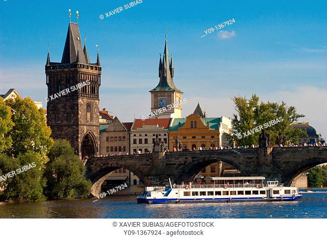 Old town and Vltava River, Charles Bridge, Stare Mesto old town, Prague, Czech Republic