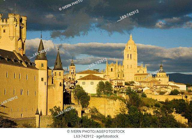 Alcazar fortress and Cathedral at dusk, Segovia. Castilla-Leon, Spain