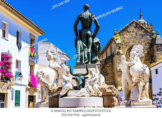 The monument to Manolete is a sculpture dedicated to the bullfighter Manolete located in the Plaza del Conde de Priego. Córdoba, Andalusia, Spain, Europe