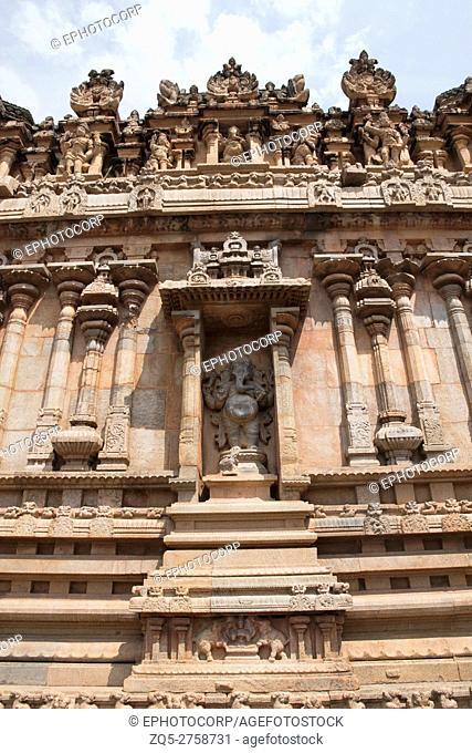 Ganesha, niche on the southern wall, Subrahmanyam shrine, Brihadisvara Temple complex, Tanjore, Tamil Nadu, India