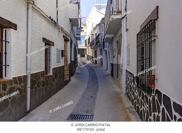 Trevelez, Andalusia, Spain: Narrow street that goes up to Trevelez high area