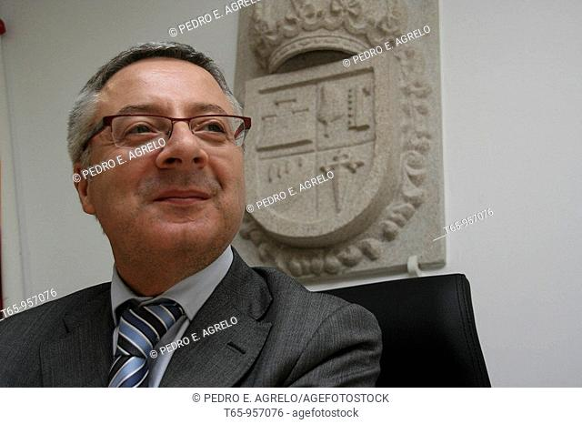 Pepe Blanco, Ministro de Fomento (Minister of Public Works and Transport), after being named favorite son of his hometown, Palas de Rei, in Lugo