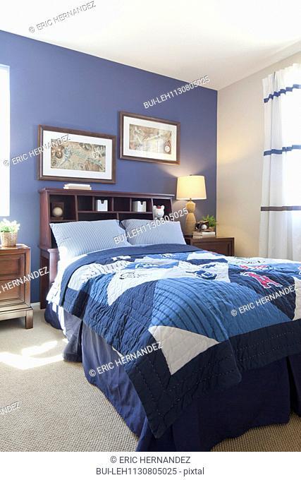 Guest bedroom; Valencia; California; USA