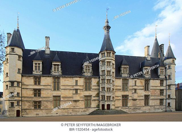 Palais Ducal, Nevers, Région Borgogne, Burgundy region, Nièvre, France, Europe