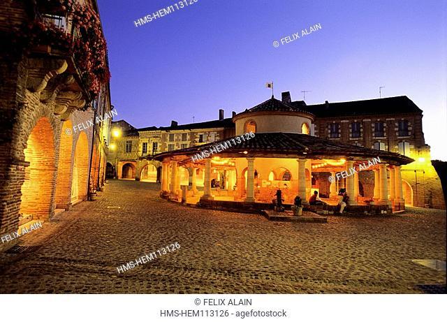 France, Tarn et Garonne, Auvillar village, labelled Les Plus Beaux Villages de France The Most Beautiful Villages of France, covered market
