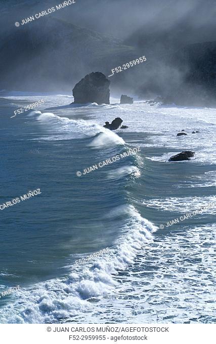 San Julian beach, Liendo, Cantabrian sea, Montaña Oriental Costera, Cantabria, Spain, Europe