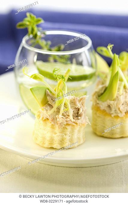 Tartaleta de aguacate con bonito