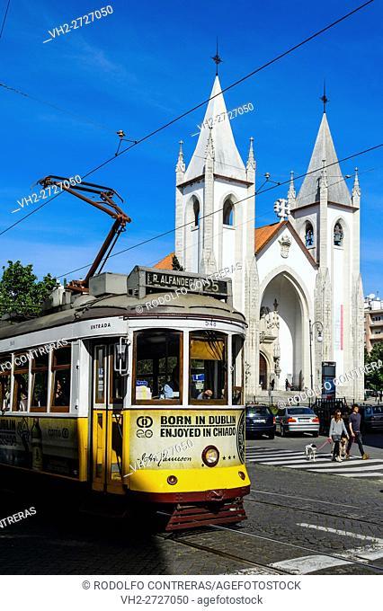 Tram on the streets, Lisboa