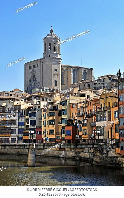 Santa Maria Cathedral and Onyar River Houses, Girona, Catalonia, Spain, Europe