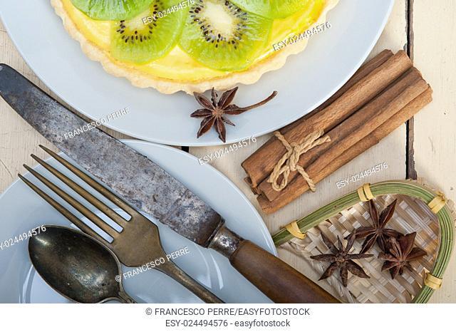 kiwi pie tart with lemon custard cream and spices