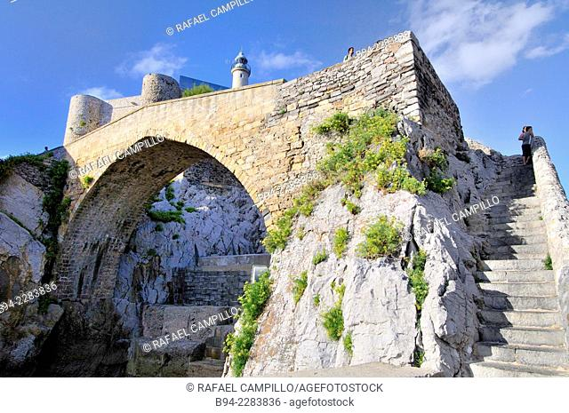 Santa Ana Castle, fortress situated on a rocky promontory, a peninsula which is also fortified church Sta. María de la Asunción XIII century