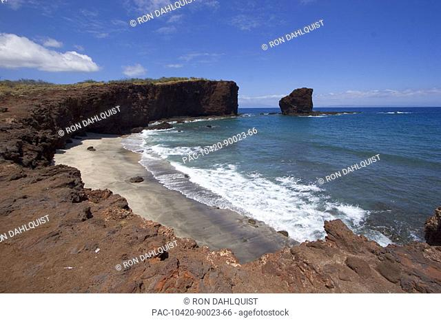 Hawaii, Lanai, Pu'u Pehe, Sweetheart Rock, view of rocky coastline and beach