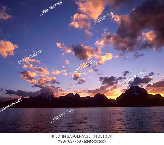 Sunset over Teton Range and Jackson Lake, Grand Teton National Park, Wyoming, USA