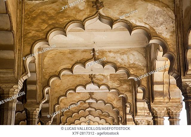 Ceiling of Diwan I Am (Hall of Public Audience), in Agra Fort, UNESCO World Heritage site, Agra, India