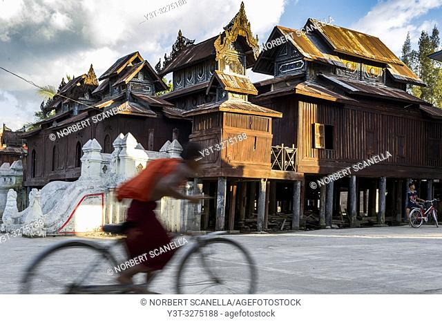 Myanmar (ex Birmanie). Nyaung Shwe. Shan state. The Shwe Yan Pyay monastery (Or 'The palace of the mirrors') designed in wood in 1907 near Inle Lake