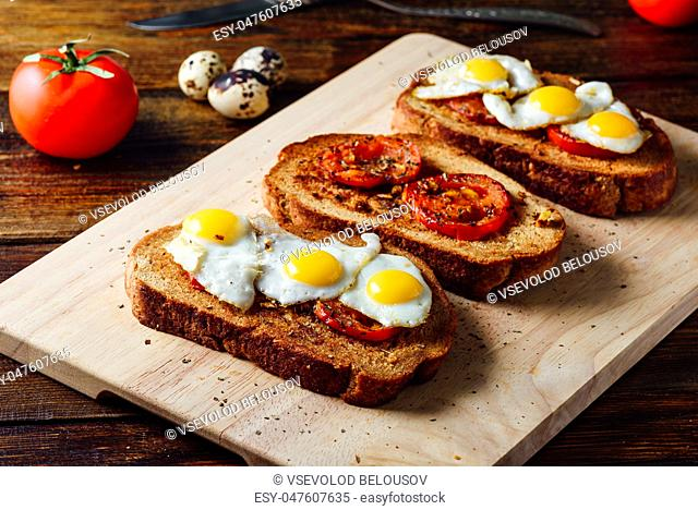 Toasts with Fried Tomatoes and Quail Eggs