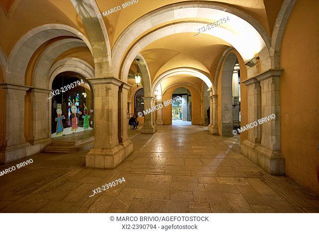 Portico at Plaça del Ajuntament. Figueres, Spain