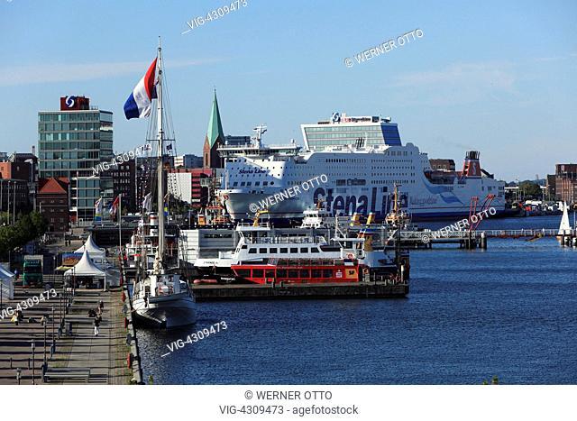 D-Kiel, Kiel Fjord, Baltic Sea, Schleswig-Holstein, Kiel harbour, Die Hoern, Hoern Bridge, ships at a landing stage, Stena Line ferry at terminal Bollhoernkai...