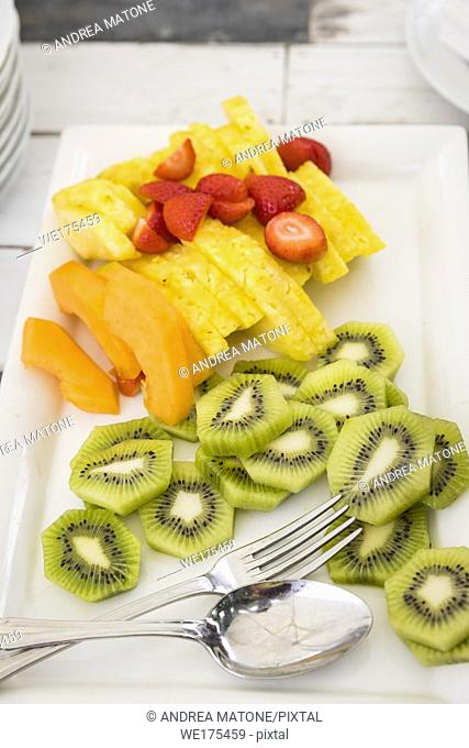 Sliced fruit mix