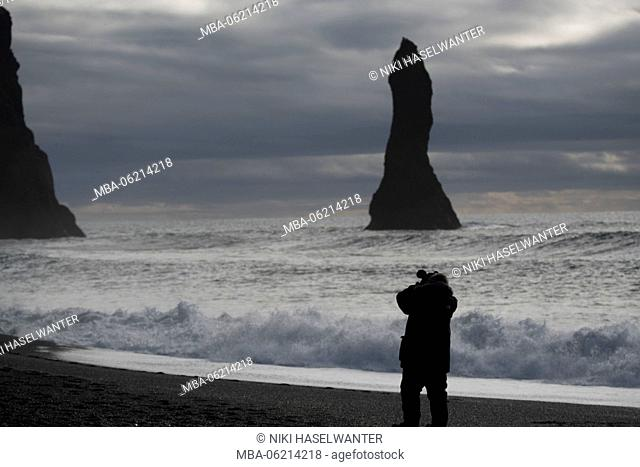 Photographer on Reynsifjara beach