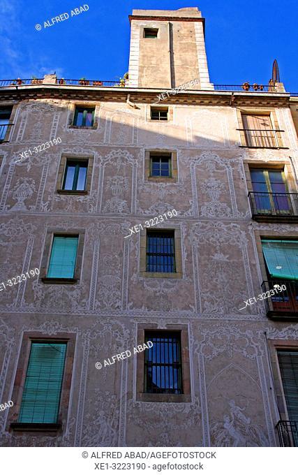 building facade with sgraffito, Gothic Quarter, Barcelona, Catalonia, Spain