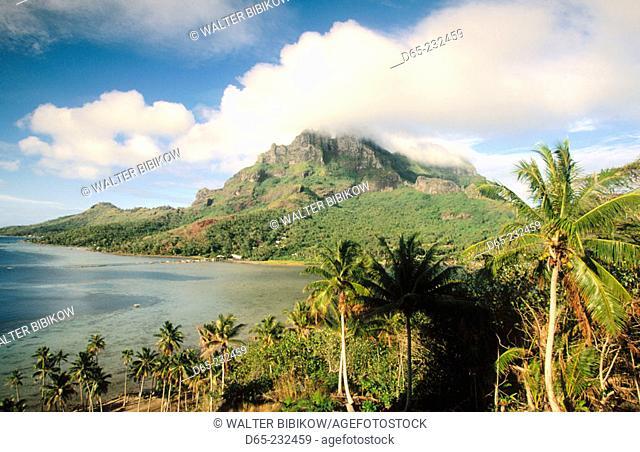Morning light on Mount Otemanu. Anau. Bora Bora. French Poynesia