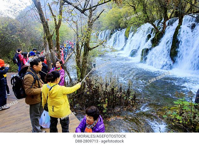 Asia, China, Sichuan province, UNESCO World Heritage Site, Jiuzhaigou National Park, Waterfall, Arrow bamboo lakeFalls